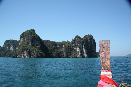 Phulay Bay, A Ritz-Carlton Reserve: Long tail boat trip to the beach