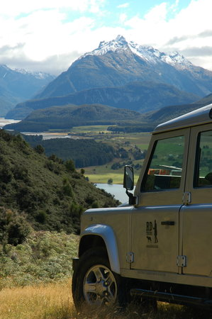 Private Discovery Day Tours : Paradise Valley from Mt Alfred
