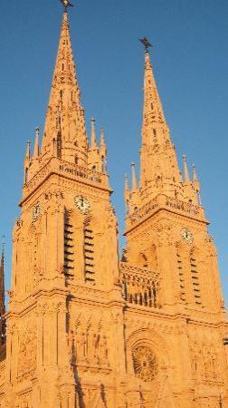 Basilica de Lujan amanecer