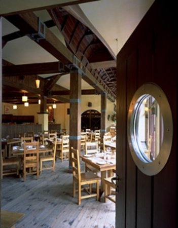 Boathouse Restaurant Bar: Boathouse restaurant