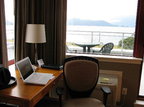 Harrison Beach Hotel: more views from the desk area