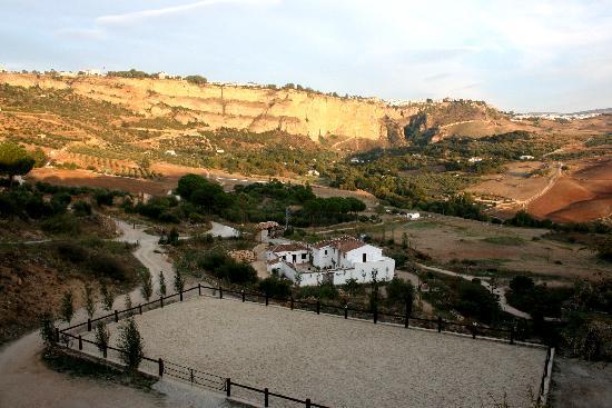 Hotel Hacienda Puerto de las Muelas: Blick auf Ronda