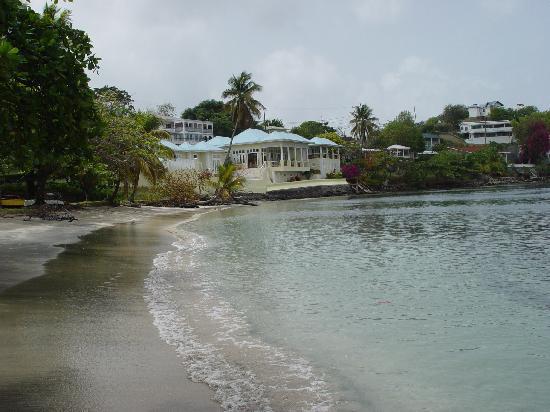 Lance Aux Epines Cottages beach