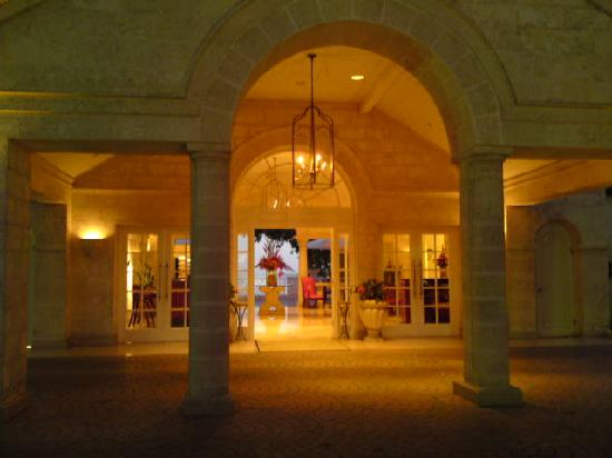 Sandy Lane Hotel: entrance at dawn