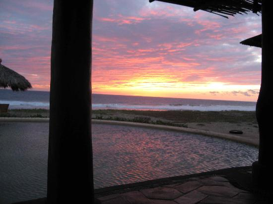 Playa Viva: sunset from dining area