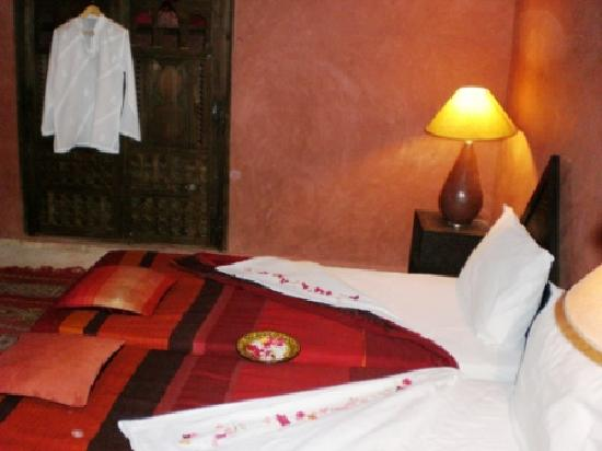 Kasbah Tiwaline: Chambre à coucher
