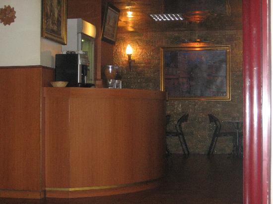 Fiat Hotel: front lobby