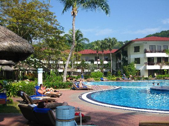 Holiday Villa Beach Resort Spa Langkawi Pool