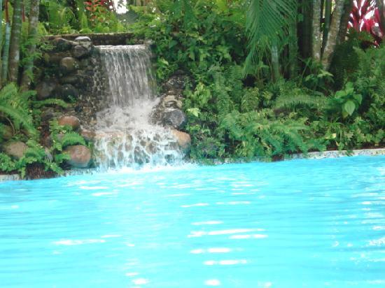 Hotel La Garza: la relajante piscina con su cascada