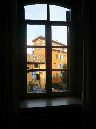 Hotel San Pancrazio: Bedroom Window