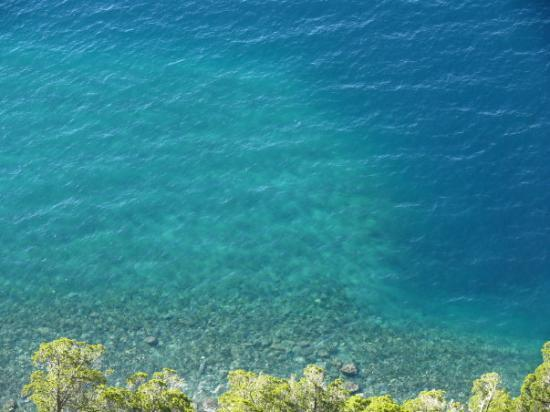 Mirador Lago Traful: Beril en el Lago Traful... Mirador Traful
