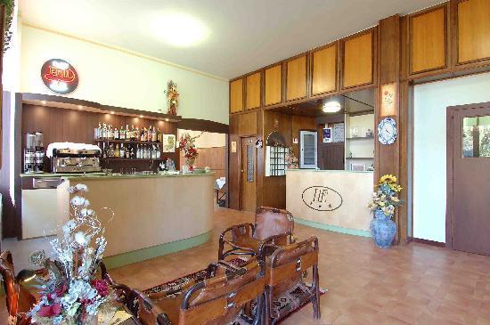Hotel Ristorante Europa: Receptions bar