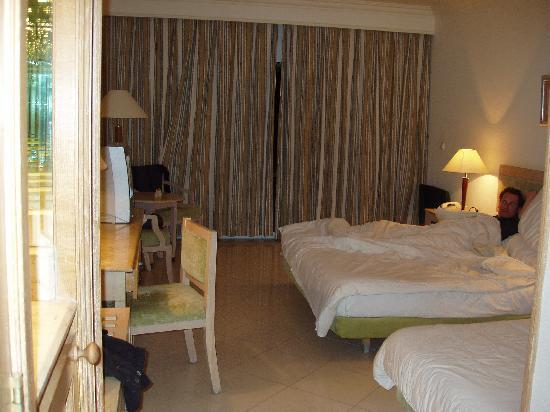 Movenpick Resort Taba Hotel : room very spacious and clean before we used it