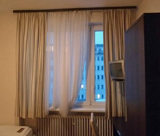 Novum Hotel Oldenburg Hamburg: Novum Oldenburg, room 41, window