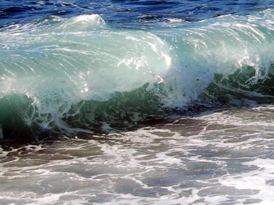 Calvi, Francia: Galeria, bis zu 2,5 Meter hohe Wellen