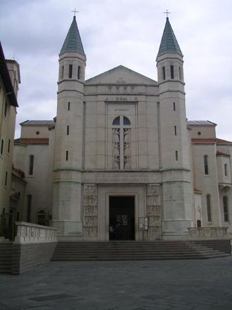 Verona, Italia: La Basilica di Santa Rita da Cascia