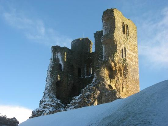 Скарборо, UK: whats left of scarborough castles keep