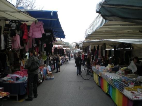 mercado de Bellaria-Igea Marina, Italia