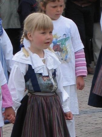 ลิลลาทอร์ก: Cute little dancer