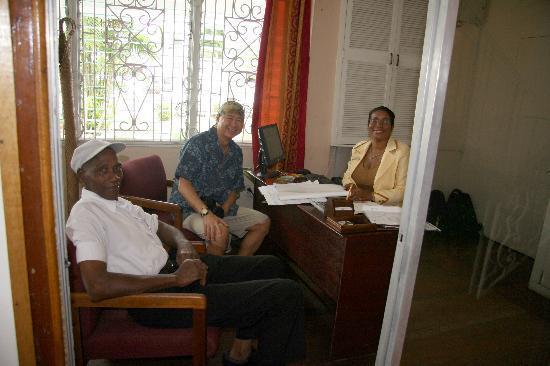 هيردمانستون لودج: With marjorie and Mr. Billey