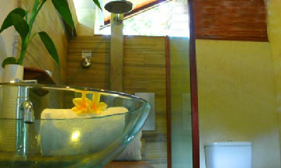 Cijulang, Indonesia: OceanView Deluxe Semi-open Bathroom
