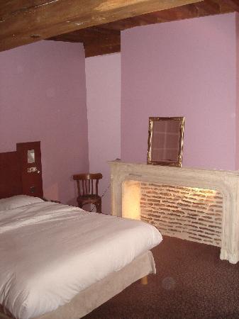 Semur-en-Auxois, France: Nice room!