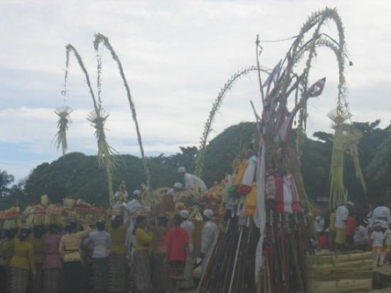 Nusa Dua, Indonezja: Nyepi or Balinese New Year. The day itself falls on the first new moon after mid March. It is a
