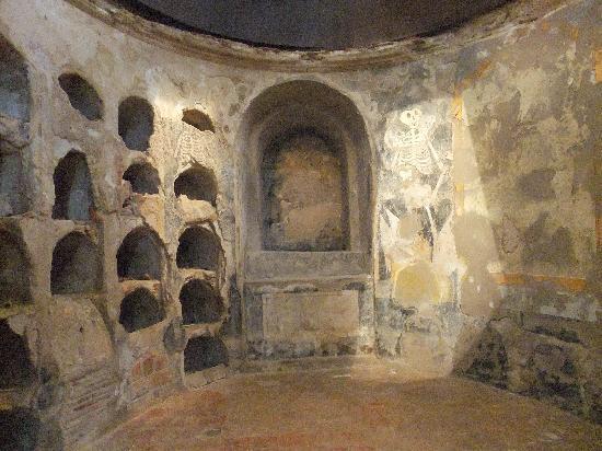 Punic Wall: cripta 4