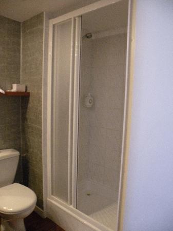 Hotel Center : Cabine de douche grand confort