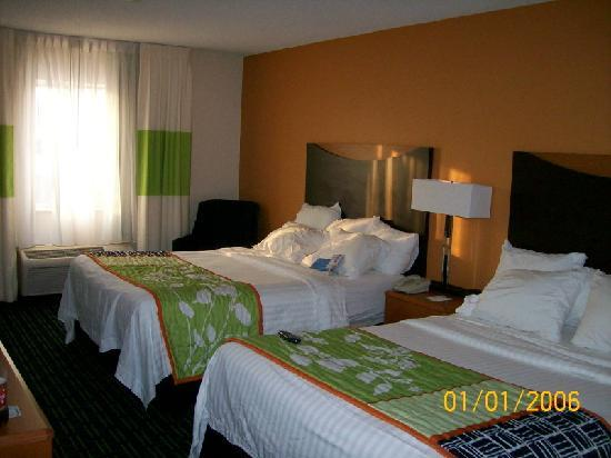 Fairfield Inn & Suites Minneapolis-St. Paul Airport: Beds