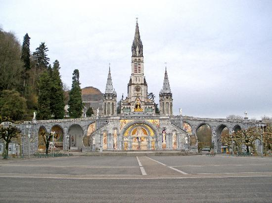 """Hotel Arcades : """"The Basilica and Rosary Square"""""""