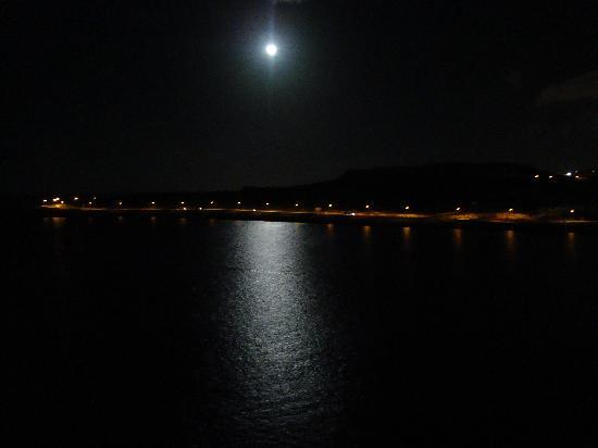 Sunny Coast Resort & Spa : night time