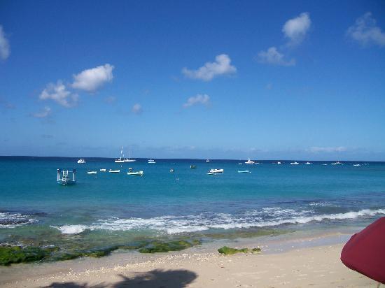 Sugar Cane Club Hotel & Spa: The beach