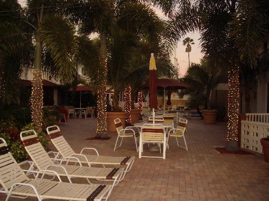 Surfside Resort: before christmas 2009