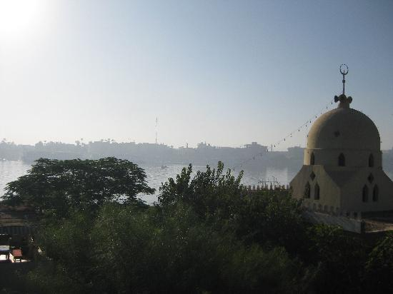 Senmut Luxor B&B: View from the rooftop terrace