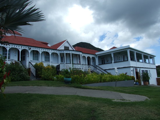 Clay Villa Plantation House & Gardens: Front View of Clay villa