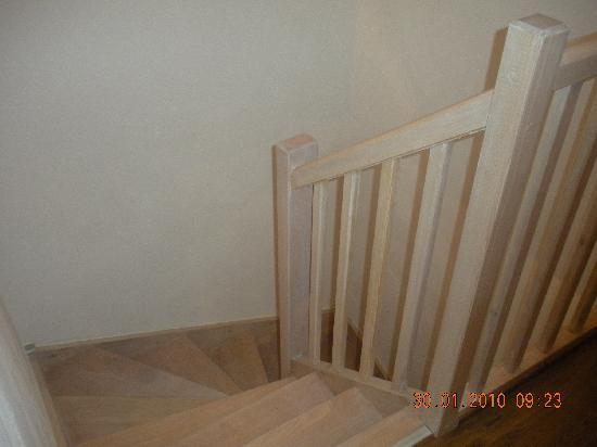 Lagrange Prestige Residence le Clos Saint Hilaire: escaleras duplex