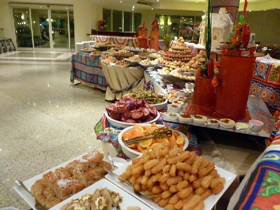 Movenpick Resort Taba Hotel : Le buffet de desserts