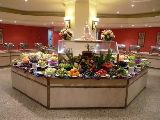 Movenpick Resort Taba Hotel: Le buffet de crudités