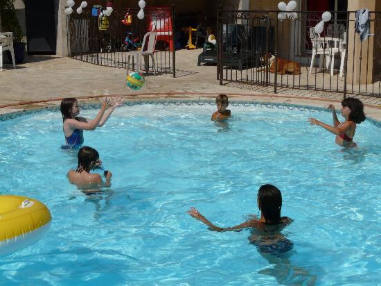 La villa Morena: Toujours le moyen de s'amuser =)
