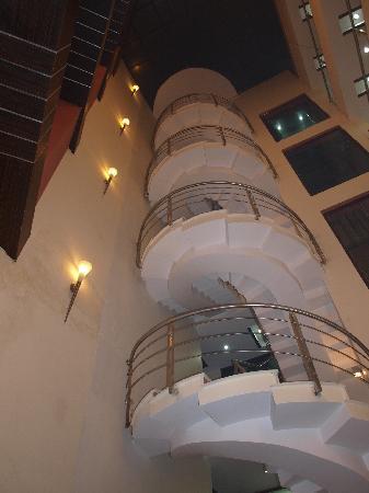 Hotel The Daanish Residency: lobby