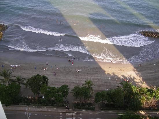 Decameron Cartagena: 6 de la mañana única hora para estar en la playa sin acoso de vendedores!!!
