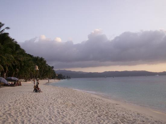 "Hotel Isla Boracay-South: hausstrand, ""white beach"""