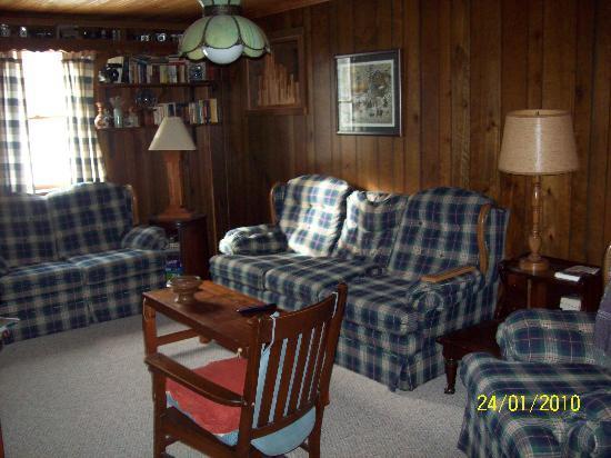 The Woodshed Lodge: The WoodShed Lower Level Lounge