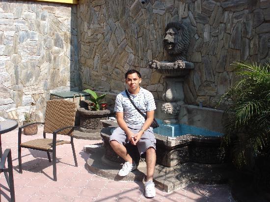Hostal Los Volcanes: Un ahijado que me acompañó en mi excursión.