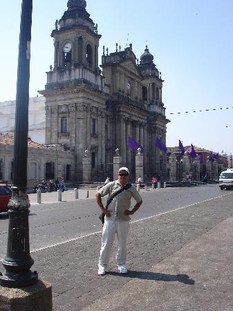 Hostal Los Volcanes: Disfrutando de un lindo día de Semana Santa en Guatemala