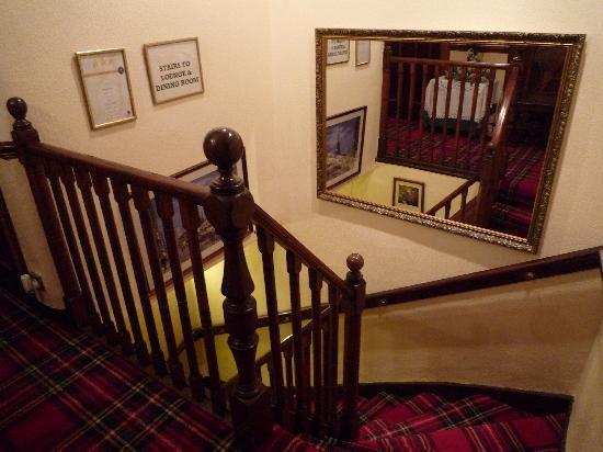 Edinburgh House: Hallway