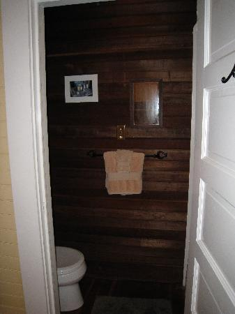Bear Valley Cottage : Redwood Room - Bathroom, Shower Stall inside the door on the right