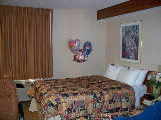 Sleep Inn & Suites: sleep inn 28th street grand rapids pol and hottub