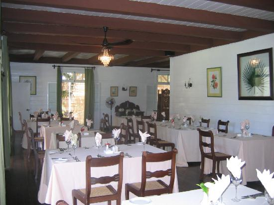 Auberge de Saint Aubin: restaurant in the big house, known for its food